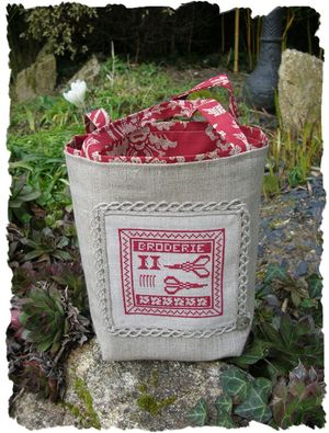 Sac broderie rouge