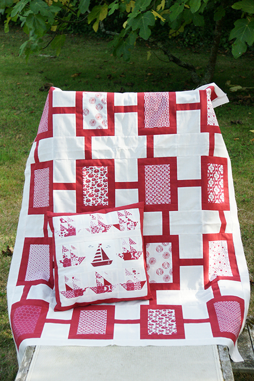 Quilt rouge motifs alice and co