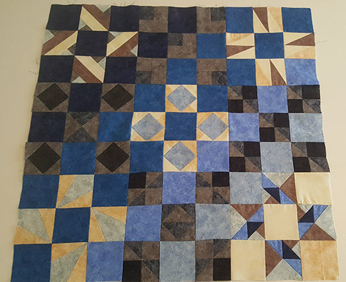 Elodie B quilt black and blue